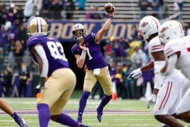 Picture for UW notebook: freshman QB Sam Huard's college career officially begins with debut against Arkansas State