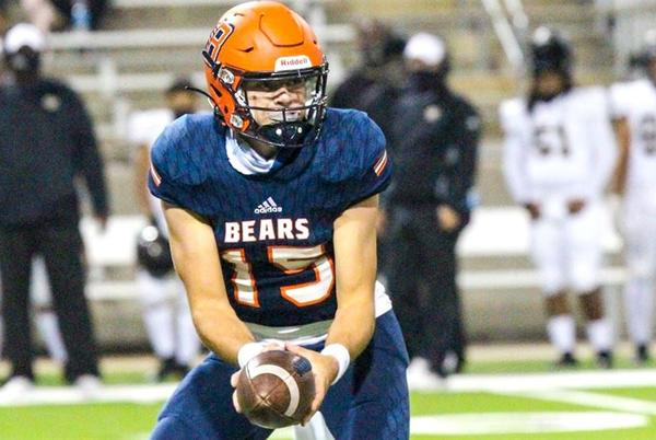 Picture for Aggie commit stats: QBs, O-Line, WR Noah Thomas highlight Week 5