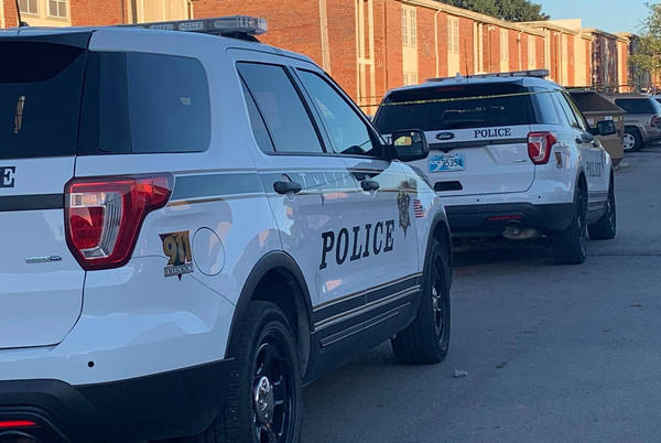 Picture for Police confirm one shooting victim at Town Square Apartments in Tulsa