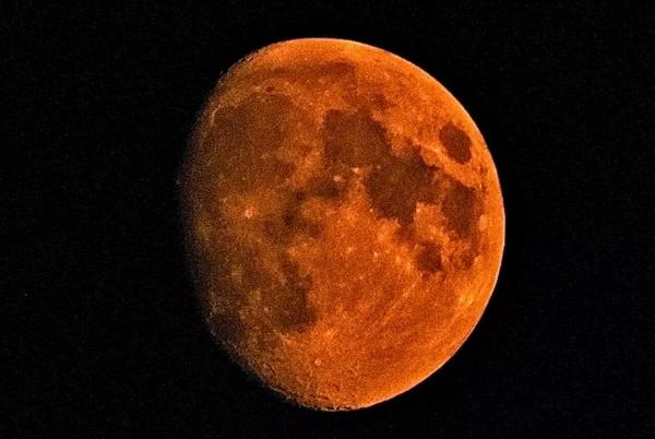 Picture for Wildfires are turning the sun and moon red