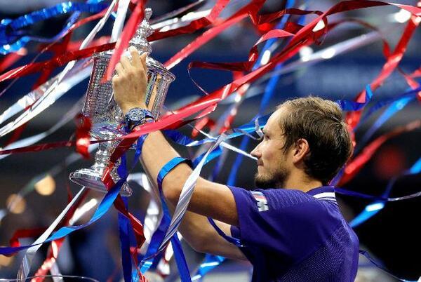 Picture for US Open: Daniil Medvedev beats Novak Djokovic in men's final