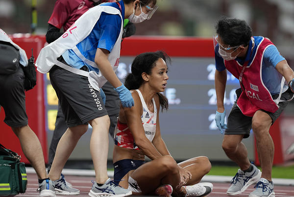 Picture for Britain Olympian Katarina Johnson-Thompson suffers injury during heptathlon, waves off assistance to finish