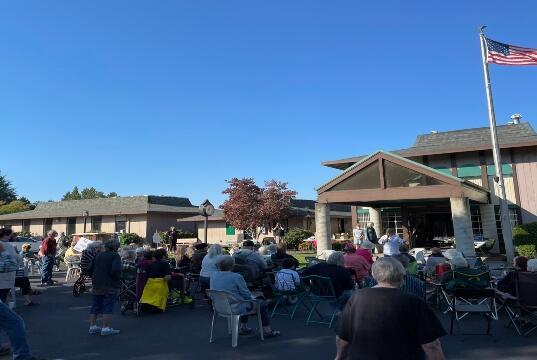 Picture for Hundreds of senior neighbors protest against housing management in Bethel