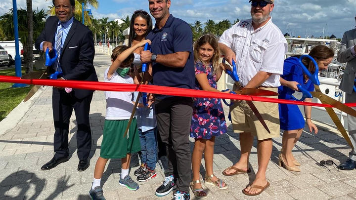 Cover for Francis Suárez reopened the Dinner Key Marina in Coconut Grove