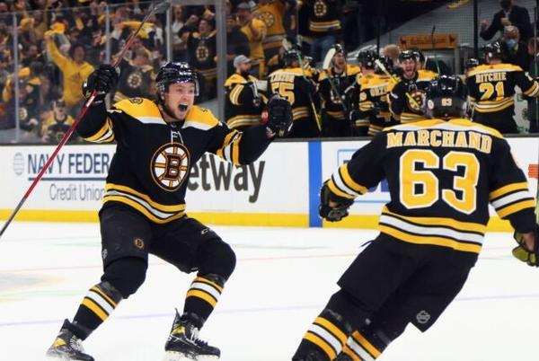 Picture for Bruins, Charlie McAvoy agree to 8-year contract extension