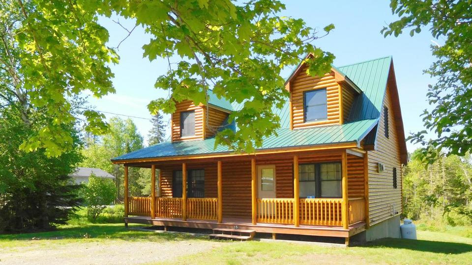 Picture for Take a look at these homes on the market in Rangeley
