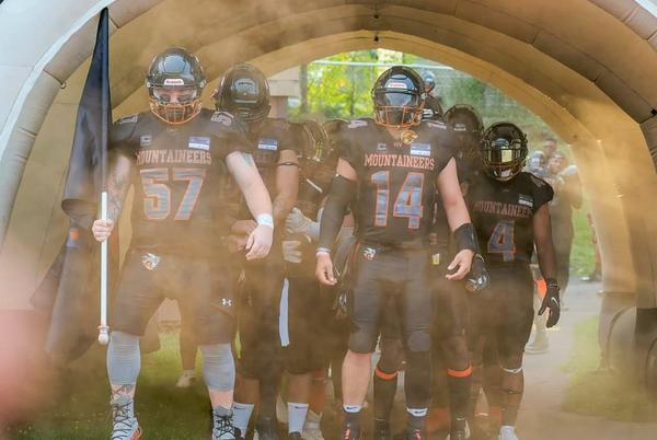 Picture for Semi-pro football: Unbeaten Hudson Valley Mountaineers to host Philly Hurricanes at Dietz