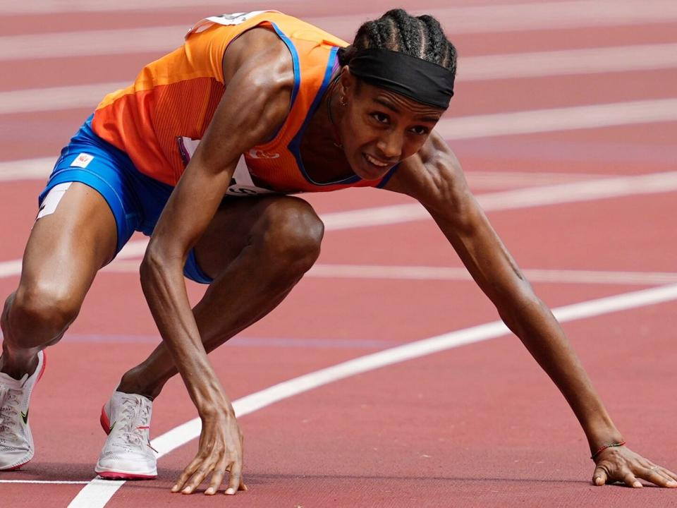 dutch-runner-falls-wins-provides-indelible-olympic-moment