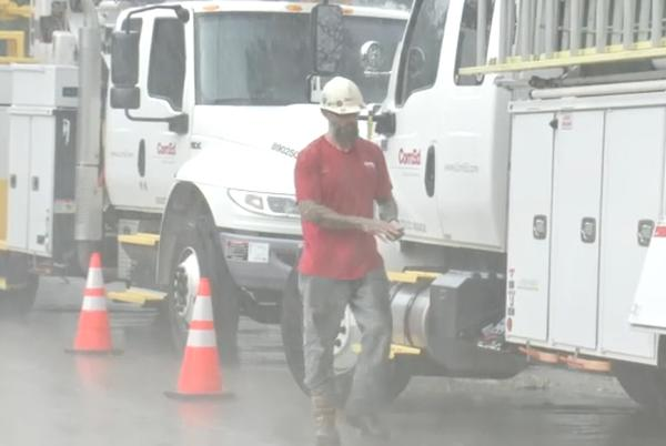 Picture for Crews rush to restore power in Lake Jackson 5 days after Hurricane Nicholas