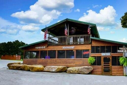 Picture for For Over 40 Years, Big Daddy's Right On The Dam Highway Has Been Serving Oklahomans Some Of The Best Food Ever