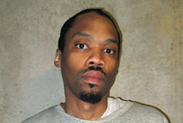 Picture for Julius Jones' Sister Urges Oklahoma Governor to Stop Execution: 'I Pray You're Listening'