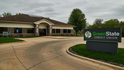 Derecho Damage Keeps Greenstate Credit Union S Hiawatha Branch Closed Temporarily News Break