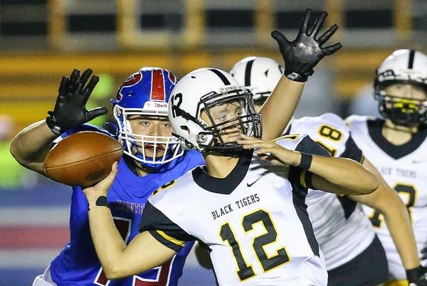 Picture for Lambis' return lifts Cuyahoga Falls football on rough night vs. Aurora