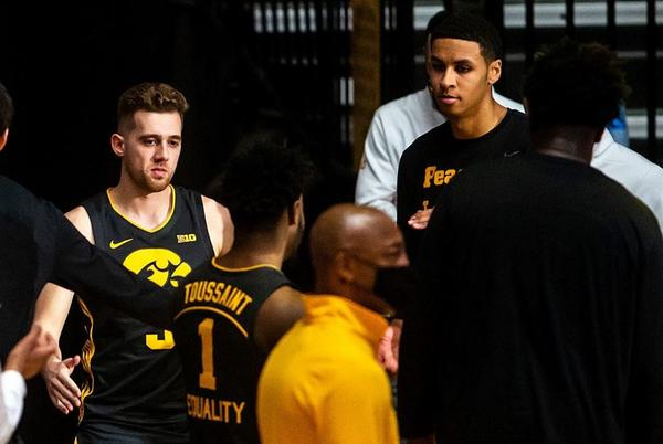 Picture for Andy Katz projects Iowa basketball to make 2022 NCAA Tournament