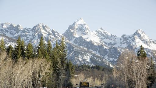 Yellowstone And Grand Teton National Parks Prepare For Soft Opening Tomorrow News Break