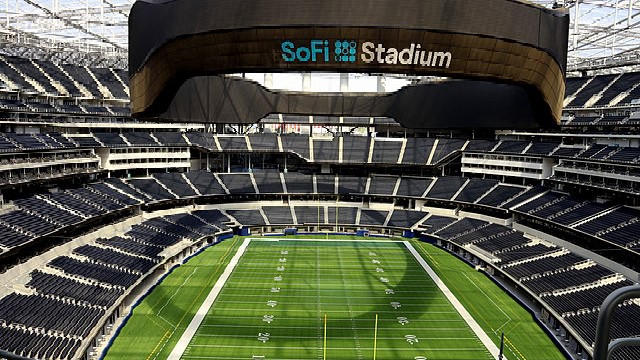 Cover for 3 places to grab a bite to eat near Inglewood's SoFiStadium