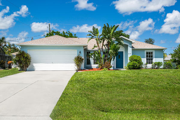 Picture for Take a look at these homes on the market in Port St Lucie