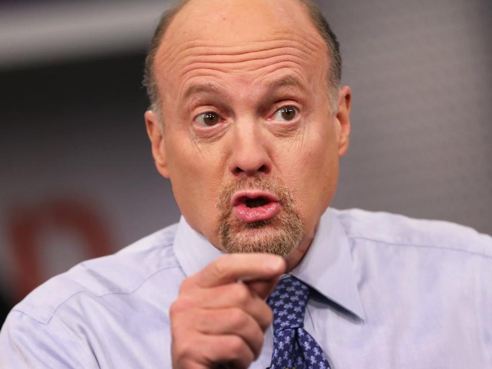 jim-cramer-says-the-fed-doesn-t-need-to-destroy-the-economy-to-beat-inflation-newsbreak