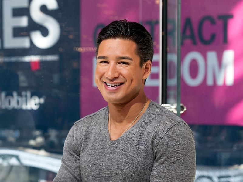 Mario Lopez And Wife Courtney Dance To Michael Jackson S Song With