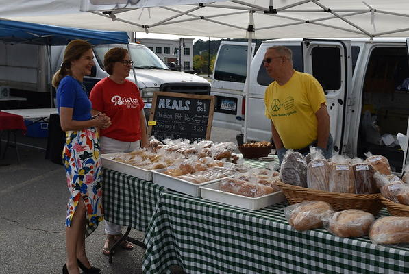 Picture for Bysiewicz visits Bristol Farmers Market to stress its benefits, importance