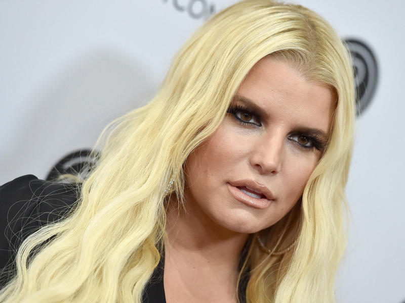 Jessica Simpson Mom Shamed For Dyeing Daughter Maxwell S Hair News Break