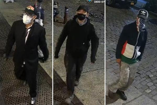 Picture for NYC crooks swipe $385K in designer handbags, clothing from Soho boutique