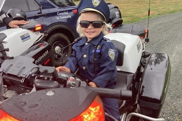 Picture for Bellingham Police Department visit Birthday Party