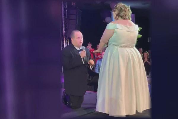 Picture for A perfect proposal: Couple gets engaged at charity fashion show