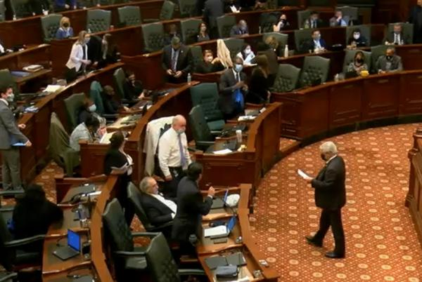 Picture for Illinois House gives final approval to repeal abortion parental notification for girls under 18