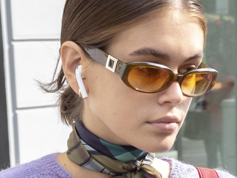 7 Pairs Of 90s Inspired Sunglasses In Kaia Gerber S Vast Collection News Break
