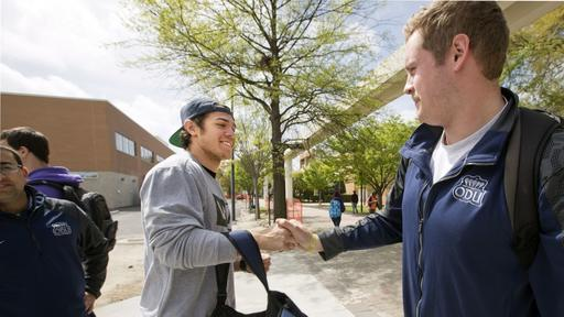 Our Greatest Hits Odu Quarterback Taylor Heinicke Was A Reluctant Superstar Inspired By His Late Father News Break