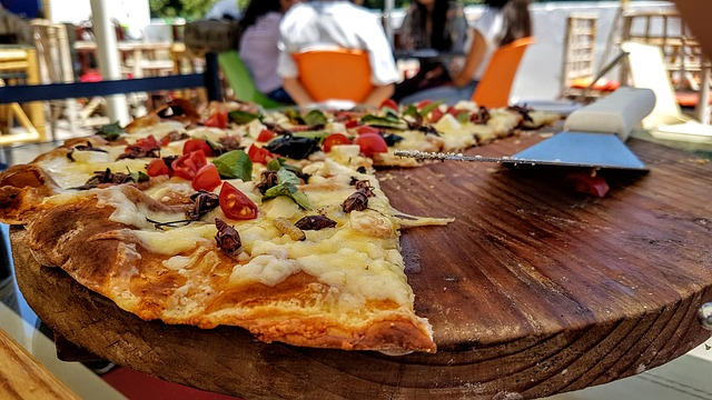 Picture for Ohio pizzeria tries out pizza with delicious cicadas