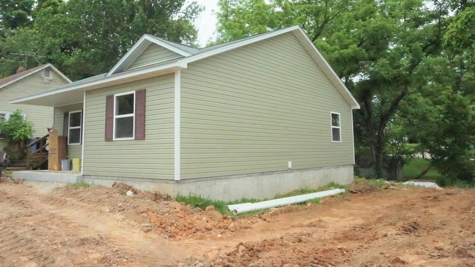 Picture for Take a look at these homes on the market in West Plains