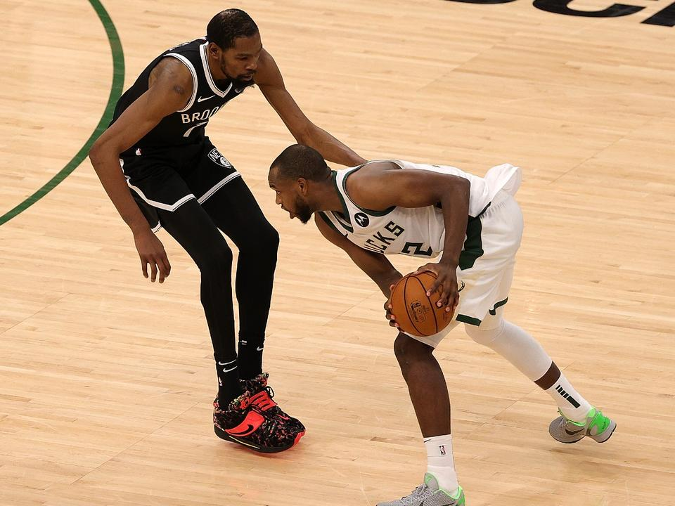 khris-middleton-gives-bucks-steadying-force-they-need-in-game-6-win-over-nets