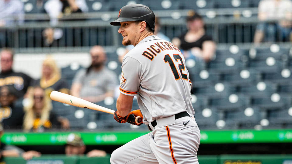 Picture for Giants reinstate Alex Dickerson, Darin Ruf from injured list