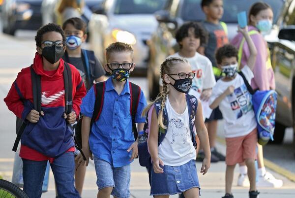 Picture for Breaking News: Judge rules against DeSantis' mask mandate ban