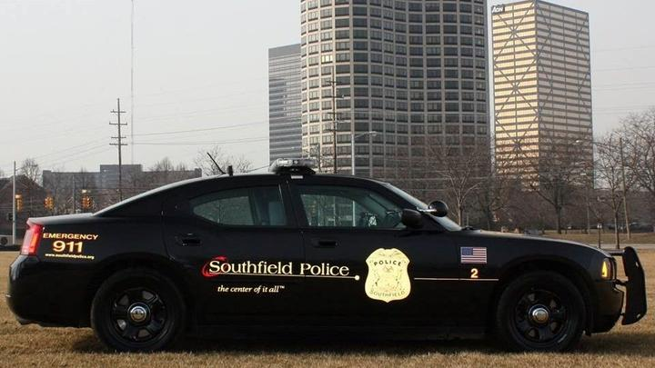 Cover for 1 shot, 1 pistol whipped during attempted robbery at Southfield hotel