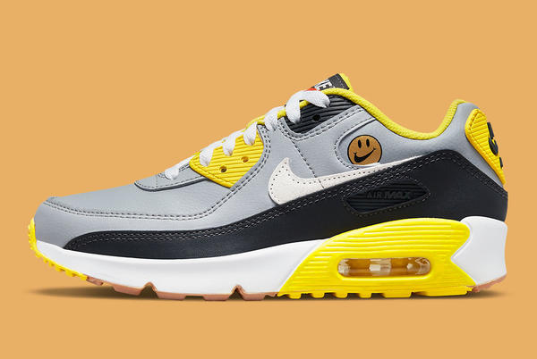 """Picture for Nike's """"Go The Extra Smile"""" Pack Includes This Kids Only Air Max 90"""