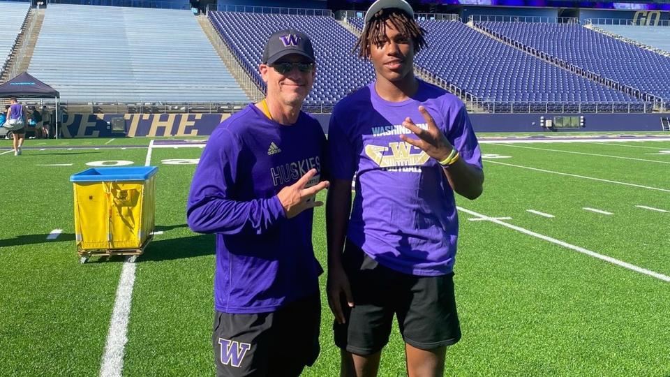 Picture for Huskies Offer Long Beach Poly Corner, Brother of Oregon State DB