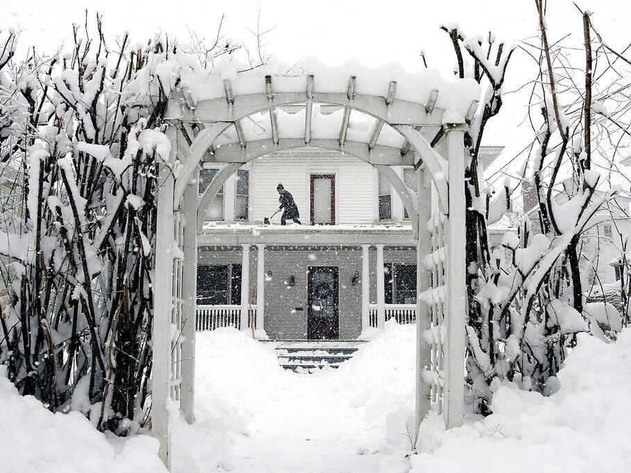 winter-heating-bills-set-to-jump-as-inflation-hits-home-newsbreak