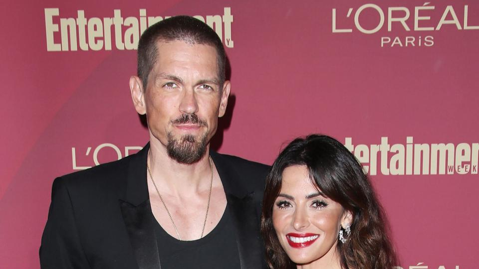 Picture for Shameless' Steve Howey and Sarah Shahi Finalize Their Divorce