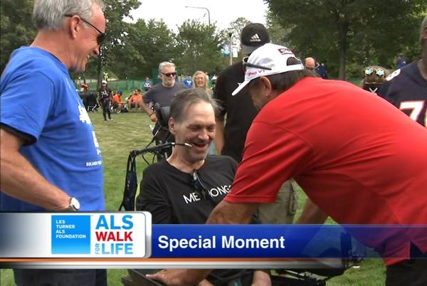 Picture for Bears legend Steve 'Mongo' McMichael accepts ALS Courage Award during Walk for Life event