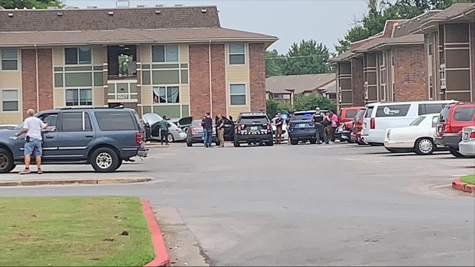 Picture for Tulsa police investigating after pursuit ends at apartment complex