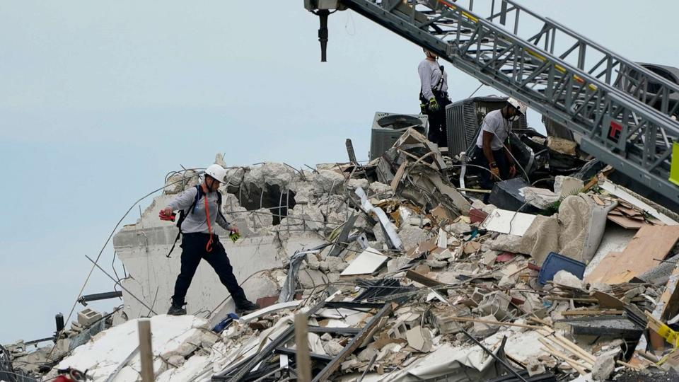 Picture for Florida building collapse latest: 3 dead, as many as 99 missing
