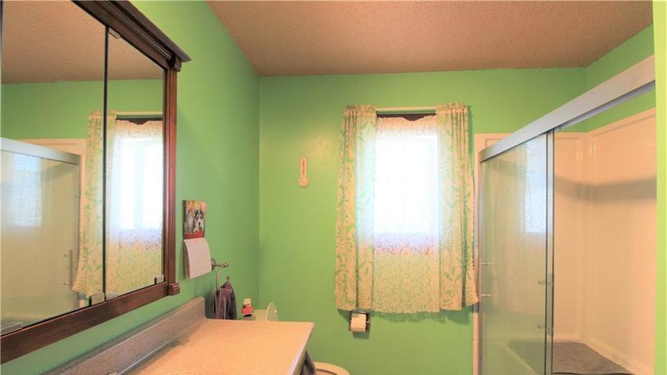 Picture for Check out these homes for sale in Oskaloosa now