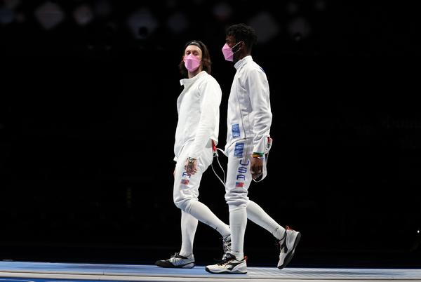 Picture for US fencer Alen Hadzic confronts teammates wearing pink masks in apparent protest of his inclusion on team