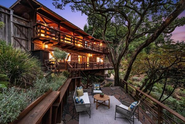 Picture for A Redwood-Clad Home With Panoramic Views Asks $1.8 Million in Berkeley, CA