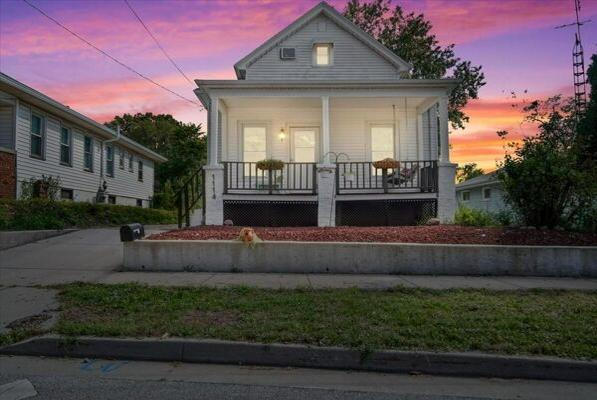 Picture for 2 Bedroom Home in Bloomington - $97,000