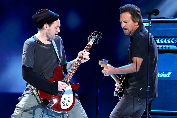 Picture for Pearl Jam Add Former Red Hot Chili Peppers Guitarist to Lineup