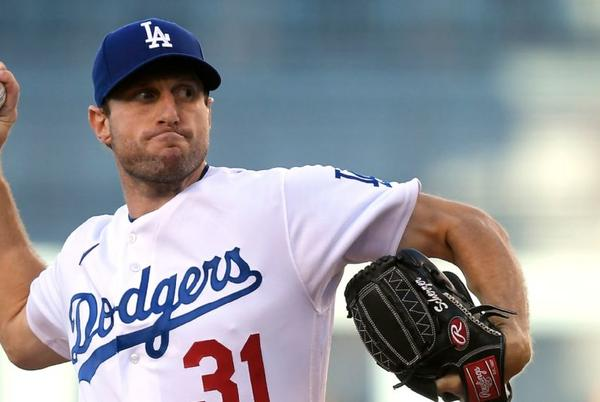 Picture for Scherzer Ks 10 in debut, Dodgers hit 4 HRs to beat Astros